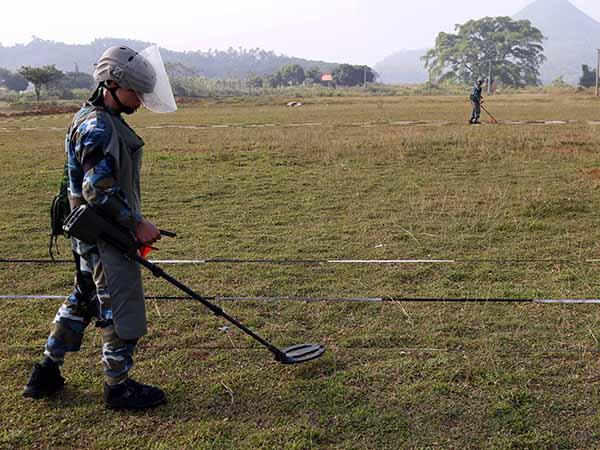 Tổng công ty ACC báo cáo năng lực và kết quả sử dụng Giấy phép hành nghề khảo sát, dò tìm, xử lý bom, mìn, vật nổ