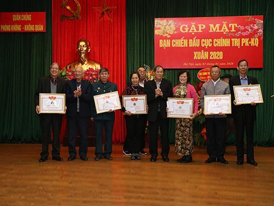 ban-chien-dau-cuc-chinh-tri-pk-kq-to-chuc-gap-mat-nhan-dip-xuan-canh-ty-2020