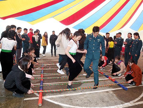 chuong-trinh-xuan-canh-troi-tet-bien-cuong-hai-dao-xuan-mau-tuat-2018