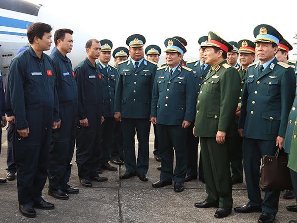 dai-tuong-ngo-xuan-lich-bo-truong-bo-quoc-phong-kiem-tra-cong-tac-sscd-va-chuc-tet-lu-doan-918