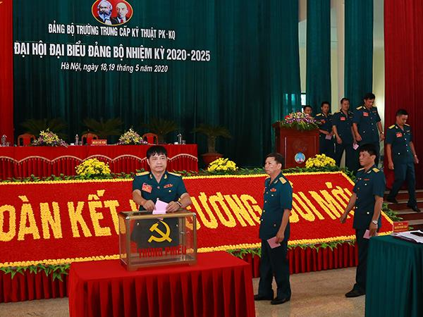dang-bo-truong-trung-cap-ky-thuat-pk-kq-to-chuc-dai-hoi-dai-bieu-nhiem-ky-2020-2025