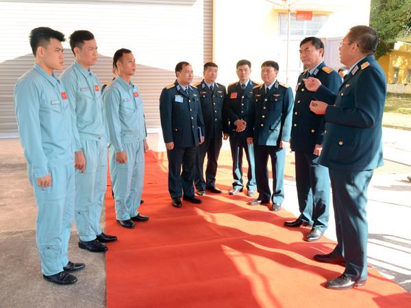 quan-chung-phong-khong-khong-quan-to-chuc-hoi-thao-bay-tren-buong-tap-su-30