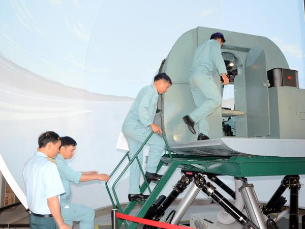 quan-chung-phong-khong-khong-quan-to-chuc-hoi-thao-bay-tren-buong-tap-truc-thang-nam-2020