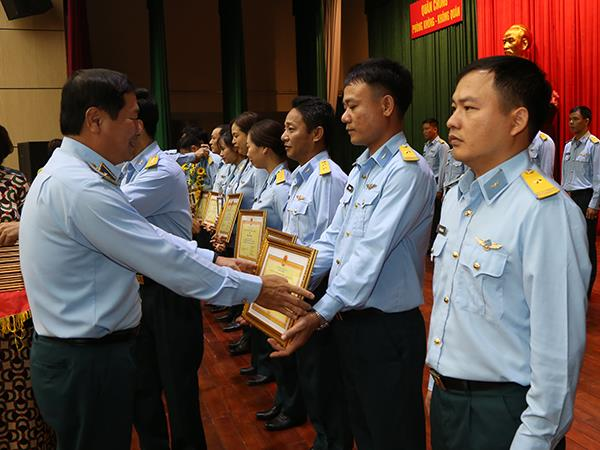 quan-chung-pk-kq-gap-mat-ton-vinh-khen-thuong-cac-nha-giao-tieu-bieu-nam-2019