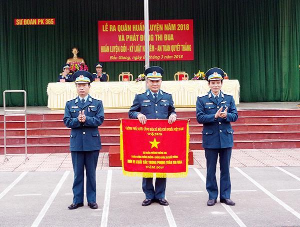 su-doan-365-ra-quan-huan-luyen