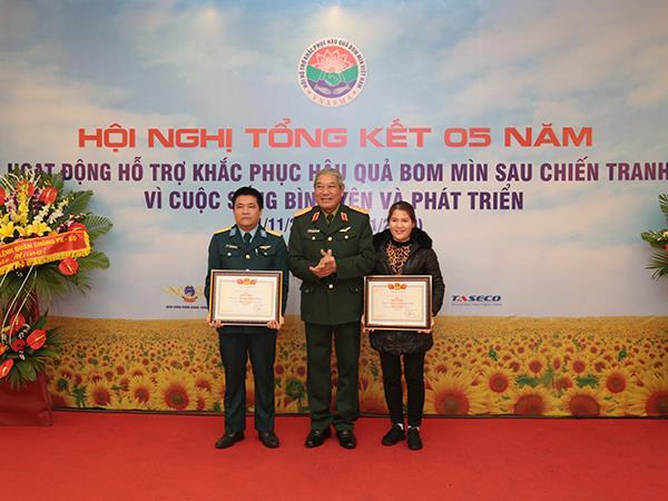 tong-ket-5-nam-hoat-dong-ho-tro-khac-phuc-hau-qua-bom-min-sau-chien-tranh
