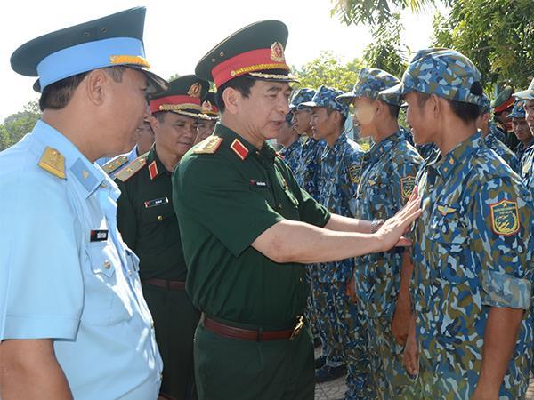 tong-tham-muu-truong-qdnd-viet-nam-kiem-tra-su-doan-375-va-su-doan-372
