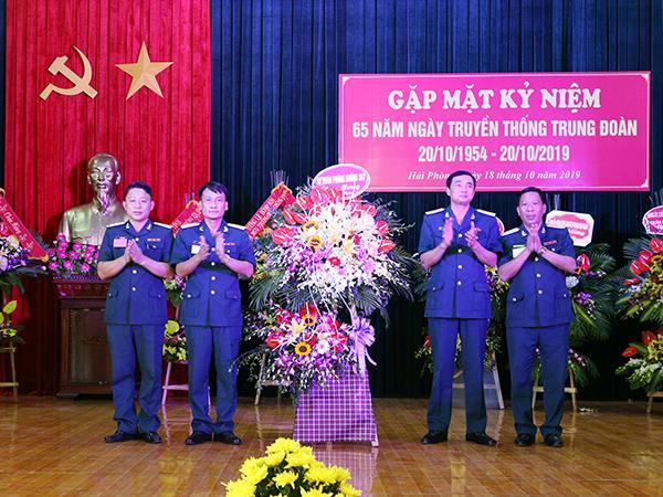 trung-doan-240-gap-mat-ky-niem-65-nam-ngay-truyen-thong
